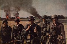 Eine Infanterie-Division verfügte über 534 Offiziere, 2701 Unteroffiziere, 102 Beamte und 14.397 Mannschaften.