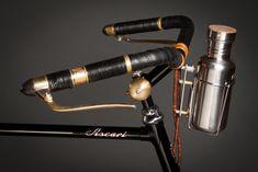 Twee pareltjes van customized fietsen uit de werkplaats van Ascari | Manners.nl