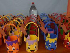 Kids Crafts, Cup Crafts, Bottle Crafts, Preschool Crafts, Diy And Crafts, Preschool Layout, Cherry Blossom Art, Quilled Paper Art, Art Bag