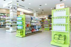 Pharmacie PIERSON-VOLLMAR, Neuves-Maisons (Meurthe-et-Moselle) - Noll Concept à Westhalten (Haut-Rhin) - Conception et agencement de pharmacies, mobilier de pharmacie, construction, transformation