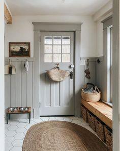 Style Me Pretty Living, Interiores Design, My Dream Home, Mudroom, Interior And Exterior, Country Interior, Farmhouse Interior, Country Farmhouse Decor, Rustic Decor