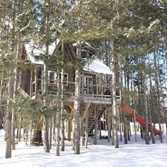 The treehouse is booking up fast for this summer! Check it out on @airbnb for details ! Listed in Durham,Ontario, Canada. Xo