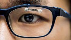 Tissue paper – similar to toilet tissue – has been turned into a new kind of wearable sensor that can detect a pulse, a blink of an eye and other human movement Wearable Device, Wearable Technology, Electronic Paper, Navy Wallpaper, Blink Of An Eye, Healthy People 2020 Goals, Digital Trends, Cool Tech, Tissue Paper