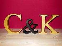 Buchstaben & Schriftzüge - Wunschbuchstaben, Hochzeit, gold/ schwarz   - ein Designerstück von Designsouris bei DaWanda