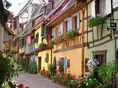 Colmar, the Most charming Town in France? Alsace, Beautiful World, Beautiful Places, Canal Du Midi, Saint Martin, Strasbourg, France Travel, Small Towns, Curb Appeal