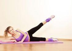 kylkiharjoituksella eroon vyötärörasvasta Pilates Videos, Tonifier Son Corps, Lose Arm Fat, Waist Workout, Waist Training, Muscle Fitness, Personal Trainer, Squats, Fat Burning