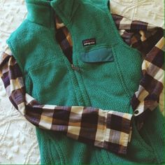 Patagonia Vest Teal vest from Patagonia. Excellent condition + only worn a couple of time! Patagonia Jackets & Coats Vests