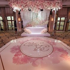 Wedding Stage Design, Wedding Designs, Backdrop Decorations, Reception Decorations, Dance Floor Wedding, Dream Wedding, Sikh Wedding Decor, Boxing Day, Bridal Shower Balloons