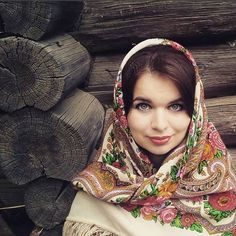 """Russian Pavlovsky Posad shawl """"Lubava"""" """"Любава"""""""