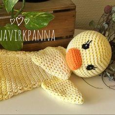 AnnaVirkpanna – Crochet with love Crochet Lovey, Crochet Gratis, Crochet Dolls, Free Crochet, Knit Crochet, Amigurumi Patterns, Crochet Patterns, Baby Lovies, Lovey Blanket