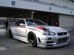 Nissan Skyline R34 GT-R Z-Tune! Wow!!