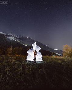 Один мой товарищ убедил меня выложить это фото, потому что по его словам оно крутое. Я немного сомневался, но потом согласился, тут ведь горы во всей ночной красе.  #lightinmountains  _______________________________________________ #КраснаяПоляна #РозаХутор #ПриютПанды#FONDph #ночноефото #дорога#рисованиесветом #длиннаявыдержка#выдержка #tubestories#stars#night#lightpainting#longexposure#light#road #mountain#mountains#ночь #звёзды #горы