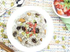 Raw porridge is the  perfect way to start your mornings!