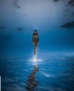 """""""The Big Blue"""": Astonishing Underwater And Freediving Photography By John Kowitz Underwater Photographer, Underwater Photos, Underwater World, Underwater Model, Oahu, Le Grand Bleu, Water Photography, Film Photography, Street Photography"""