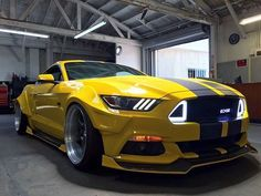 EDGE CUSTOMS FORD MUSTANG-R.