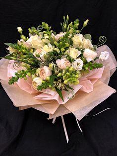 Flowers For You, Love Flowers, Fresh Flowers, Beautiful Flowers, Flower Packaging, Hand Bouquet, Flower Art, Floral Arrangements, Wedding Bouquets