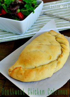 Southwest Chicken Calzones are a delicious and easy dinner any night of the week! Empanadas, Quiches, Turkey Recipes, Chicken Recipes, Italian Recipes, Mexican Food Recipes, Chicken Calzone, Great Recipes, Favorite Recipes