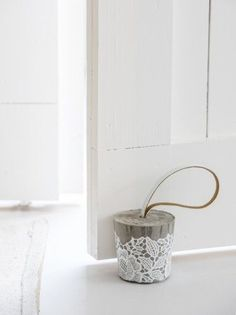 DIY: concrete doorstop