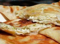 Placinte cu branza rapide Bread Recipes, Cake Recipes, Cooking Recipes, Romanian Food, Romanian Recipes, Home Food, Spanakopita, Empanadas, Food To Make