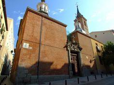 La iglesia de San Nicolás fue una de las diez iglesias primitivas de Madrid, construidas dentro del recinto amurallado cristiano, que ya figuraban como parroquias en el Fuero del año 1202.