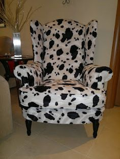 S t a r d u s t - Decor & Style: Armchair Reupholstery Reveal! Cow Kitchen, Cow Decor, Cow Print, Occasional Chairs, Home Decor Accessories, Decoration, Farmhouse Decor, Farmhouse Style, Decorating Your Home