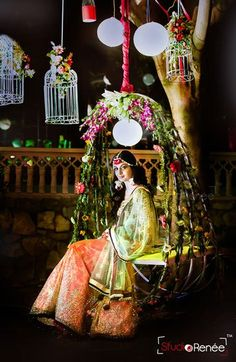 Mehndi Swing & more magical ideas for your mehndi decor. See these amazing bridal seat ideas and stunning mehndi jhoola glimpses from recent real weddings! Mehndi Decor, Mehendi, Big Indian Wedding, Indian Wedding Outfits, India Wedding, Desi Wedding, Wedding Wallpaper, Wedding Photo Booth, Wedding Pics