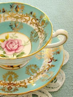Vintage crockery adds a splash of pretty colour to your wedding breakfast (will you put tea or cocktails in yours?!)