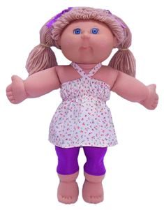 This doll clothes pattern for tights is an essential pattern for every Cabbage Patch doll! Make them long for wearing with jackets in winter, 3/4 length with a nice top or make them short and team them with t-shirts for active play. This pattern is easy to make and super versatile.