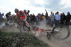 Gallery: Tim De Waele's top crash photos of 2014 | VeloNews.com