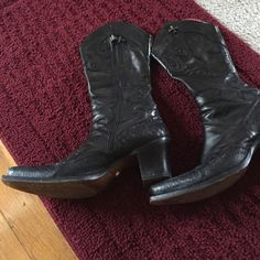 Designer Mark Nason boots Barely worn.  Great high quality boot. 100% leather.  Insides show very little wear if any.  Made in Italy Mark Nason Shoes Heeled Boots