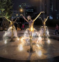 This ballerina fountain in Poland. Gdzie to jest? Statues, Ballerina, Water Sculpture, Instalation Art, Fountain Design, Wow Art, Forever, Rare Photos, High Quality Images