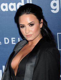 celebstills: Demi Lovato – 2016 GLAAD Media Awards in Beverly Hills Hottest Female Celebrities, Hollywood Celebrities, Beautiful Celebrities, Most Beautiful Women, Celebs, Demi Lovato Pictures, Vanessa Williams, Female Singers, Musical