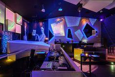 Terrific Eskada Vizela Night time Membership by AAMD Studio, Portugal time . Gaming Computer Desk, Interiores Design, Restaurant Bar, Night Club, Night Time, Game Room, Portugal, Home Improvement, Diy
