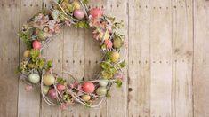 Decorare la tavola di Pasqua: ghirlanda fai da te