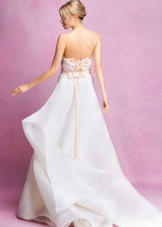 Abiti da sposa Angel Sanchez collezione 2017 - Abito con applicazioni rosa