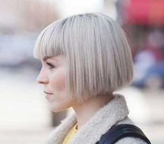 Kurze Gerade Frisur-Ideen für Stilvolle Damen // #Damen #FrisurIdeen #für #Gerade #kurze #Stilvolle