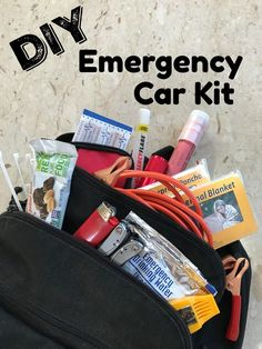 Be Goodyear Winter Prepared - DIY Emergency Car Kit - Simple Sojourns DIY tutorial for a basic emergency kit and recommend you include items that fit your needs, needs of your particular vehicle, and family needs. Maserati Ghibli, Aston Martin Vanquish, Bmw I8, Kit Cars, Car Survival Kits, Survival Supplies, Survival Skills, Survival Tips, Car Supplies