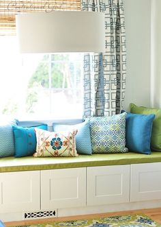 Start working on for every room::Centsational Girl: window seat box cushion cover Window Seat Cushions, Window Benches, Bench Cushions, Pillows, Window Seats, Bay Window, Box Cushion, Cushion Ideas, Diy Cushion Covers