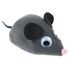 Liikemekanismin päälle silkkimassoista valmistettu hiiri.