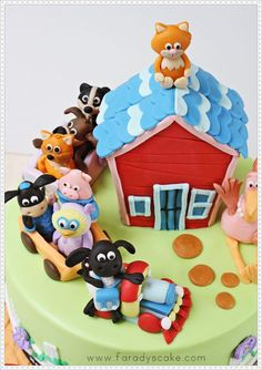 Faradyscake Timmy Time cake perfect little figures Barnyard Cake, Farm Cake, Fondant Cakes, Cupcake Cakes, Cupcakes, Sheep Cake, Timmy Time, Cake Design Inspiration, Novelty Cakes