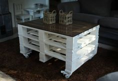 palets table Pallet Furniture, Outdoor Furniture, Table, Coffee, Home Decor, Furniture From Pallets, Kaffee, Decoration Home, Room Decor