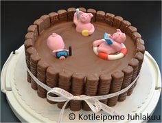 Sweet Dreams and Sweet Living: Swimming pigs Twix cake Pigs In Mud Cake, Twix Cake, Piggy Cake, Barrel Cake, Pool Cake, Pig Birthday Cakes, Gateaux Cake, Cake Cover, Cute Cakes