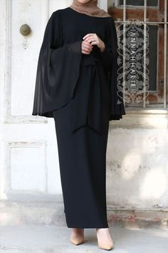 Cape Dress in Black - cape dress black Muslim Dress, Hijab Dress, Islamic Fashion, Muslim Fashion, Abaya Fashion, Fashion Outfits, Modele Hijab, Mode Abaya, Outfit Look