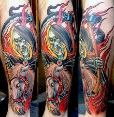 Um muito coloridas Grim Reaper tatuagem por Peter Largergren. A tatuagem mostra o reaper em plena ação e na dança cores. Em contraste com a aparência mais escura do ceifador, este ainda tem um cavalo branco, com cabelos dourados.