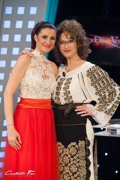 #Iuliana Tudor # Angela Similea Folk Costume, Costumes, Emisiuni Tv, Tudor, Romania, Sari, How To Wear, Embroidery, Beautiful