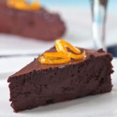 This Chocolate Decadence recipe is the perfect make-ahead Christmas dessert. The dense, melt-in-your-mouth cake is reminiscent of a traditional chocolate mousse cake. Healthy Chocolate, Chocolate Flavors, Chocolate Desserts, Cake Chocolate, Chocolate Heaven, Chocolate Covered, Chocolate Decadence Recipe, Decadent Chocolate, Orange Confit
