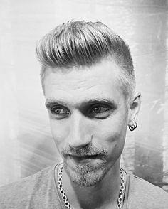 •Mr Beat• #fashion #hairstyles #behindthechair #fridashaircut #instaphoto #killerscut #beard #beardlove #beardedmen #instahair #instabeard #badtothebone #reverbbrands #pusher #evohair