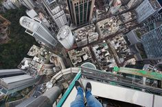 German teen climbs Hong Kong skyscraper without safety equipment, just for kicks - The Huffington Post