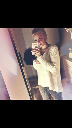 Dagi Bee shes a german youtuber...cuz im fromm germany :) i love her soooooo