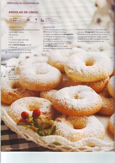 Revista bimby pt-s02-0025 - dezembro 2012 Portuguese Recipes, Whoopie Pies, What To Cook, Cake Cookies, Yummy Cakes, Bagel, Scones, Bread, Cooking
